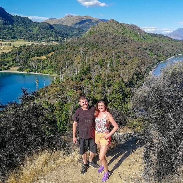 couple travelling queenstown