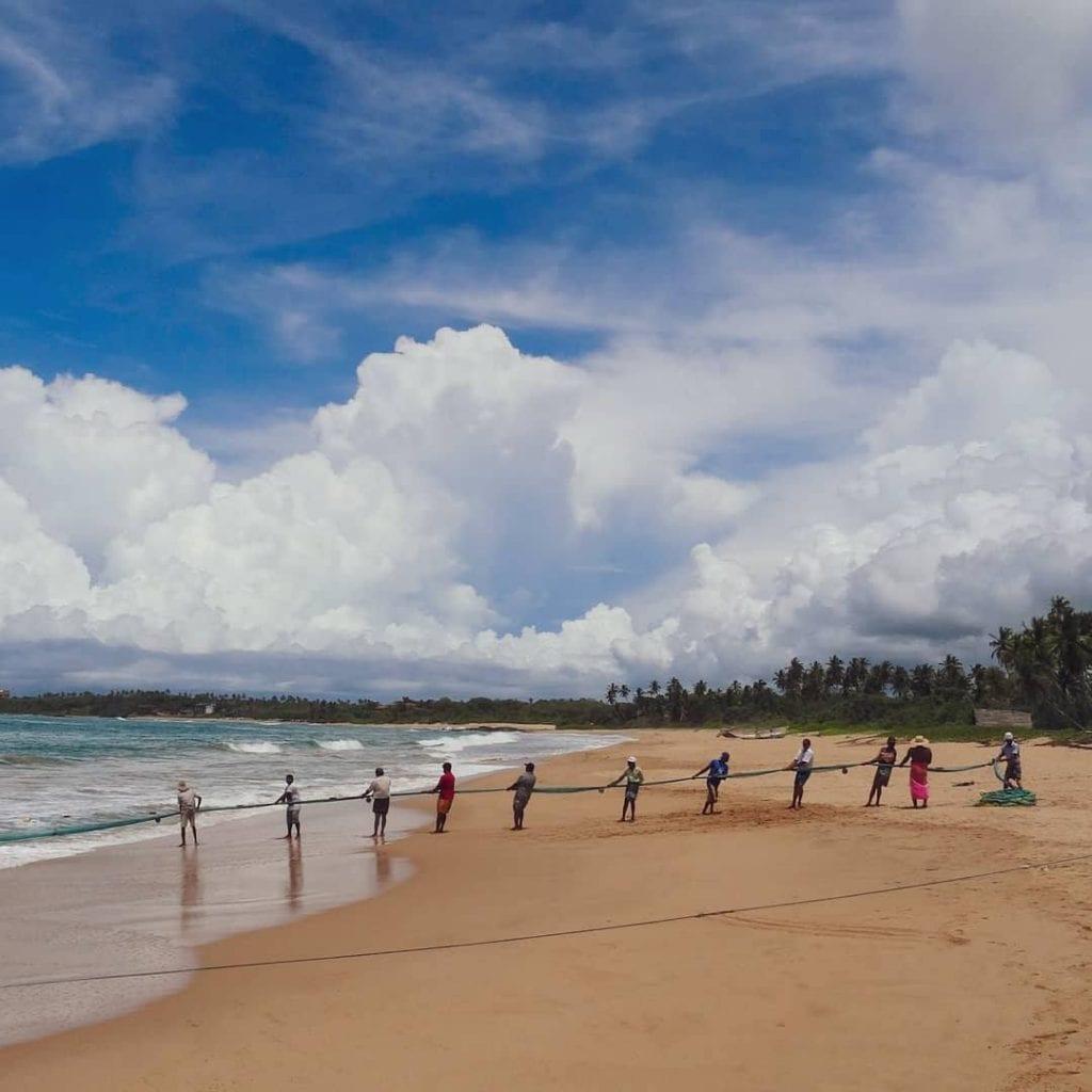 rekawa beach, sri lanka fishermen