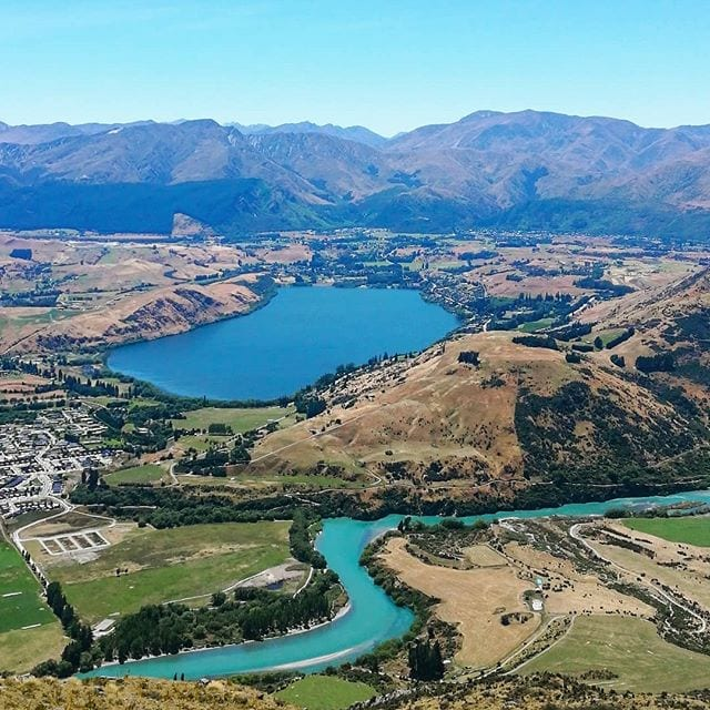 helicopter over queenstown